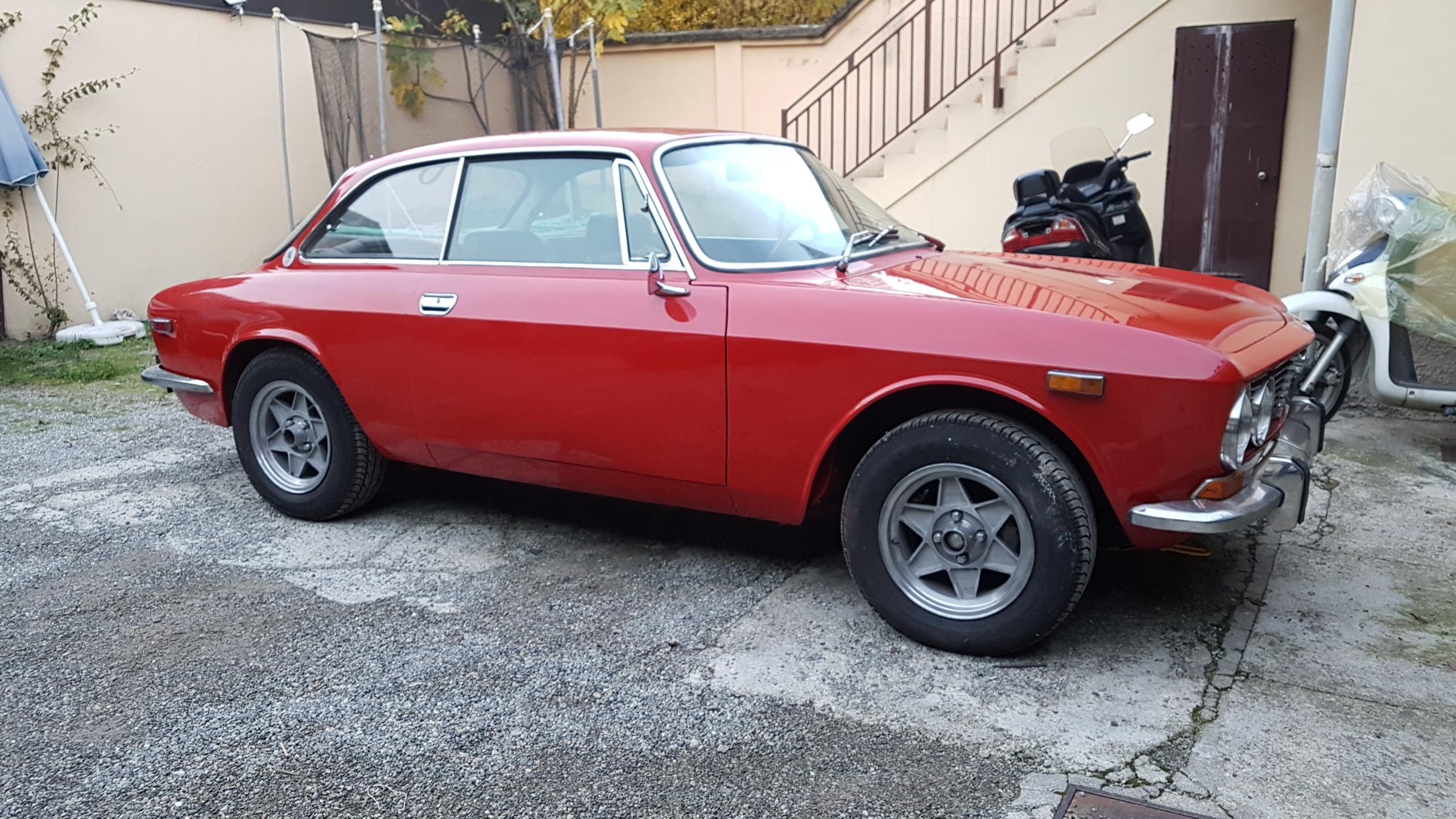 1975年 アルファ ロメオ GTV 2000